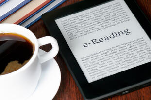 ereader ebook content offer and coffee
